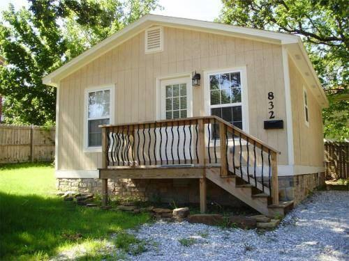 832 W Eagle  Ave, Fayetteville, AR 72701 (MLS #1094506) :: McNaughton Real Estate