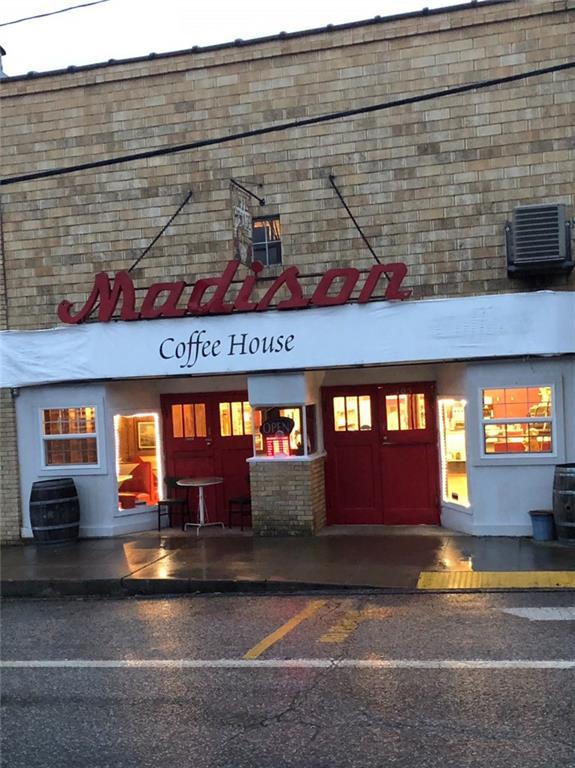 105 W Main  St, Huntsville, AR 72740 (MLS #1095125) :: Five Doors Real Estate - Northwest Arkansas