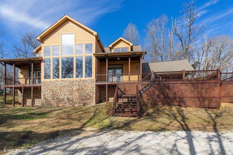 18228 River Valley Road - Photo 1