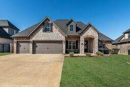 107 Nw White Oak  Rd, Bentonville, AR 72712 (MLS #1140302) :: Annette Gore Team | RE/MAX Real Estate Results