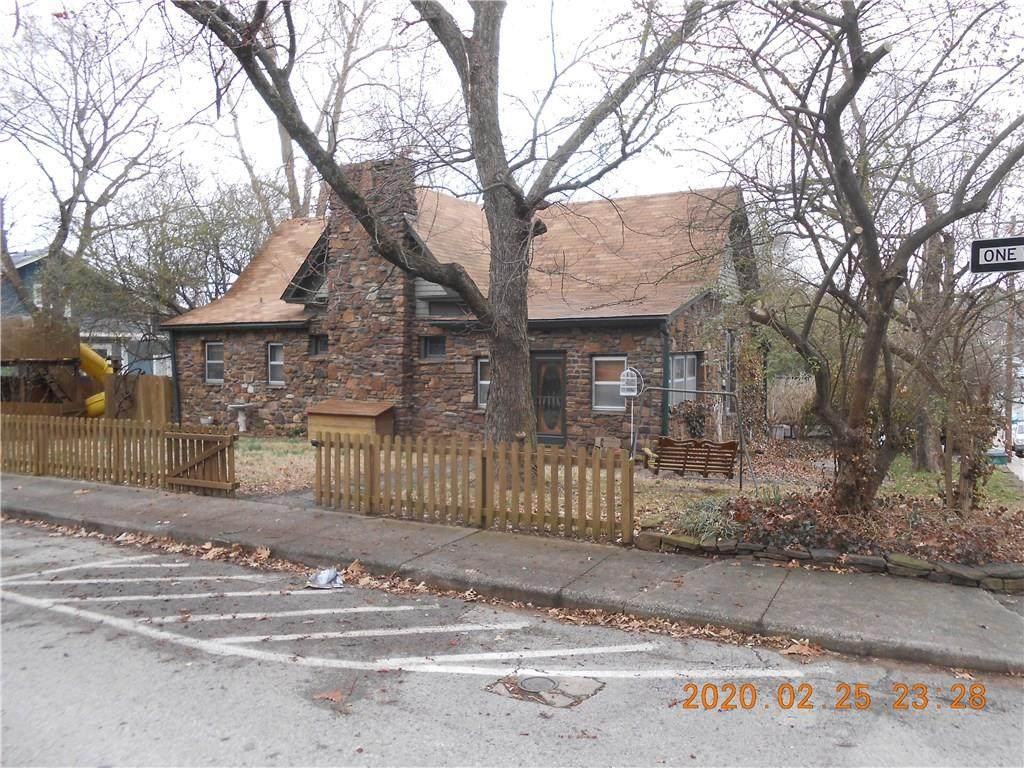 304 Meadow Street - Photo 1