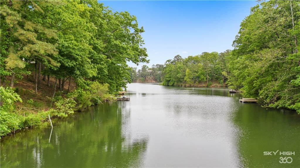 4 Lakeside Drive - Photo 1