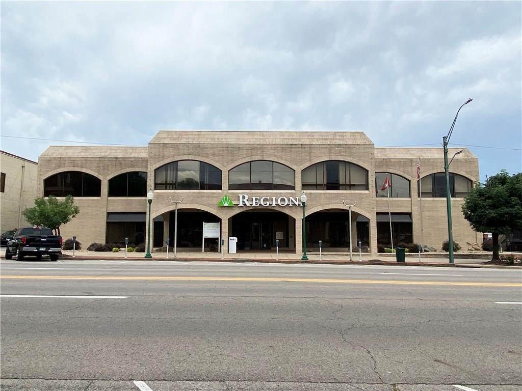 723 Garrison Avenue - Photo 1