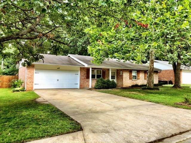 2105 Ann Street, Springdale, AR 72762 (MLS #1155080) :: McNaughton Real Estate