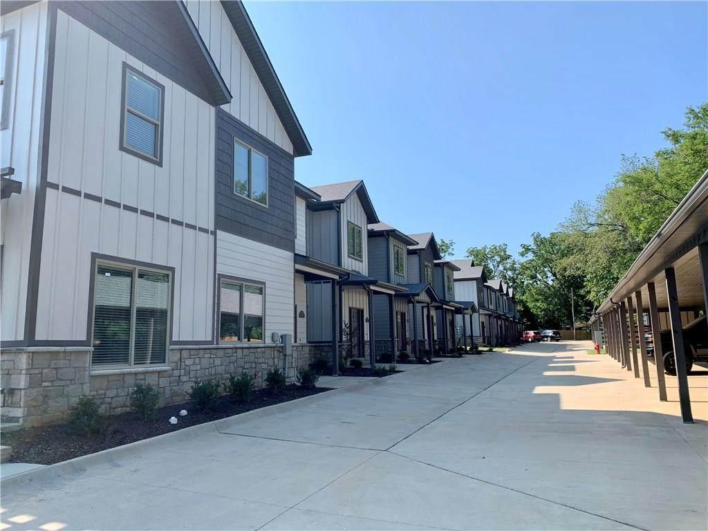 424 Retreat Lane - Photo 1