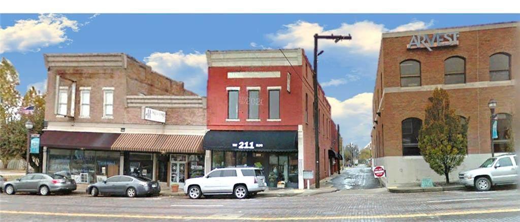 211 Walnut Street - Photo 1