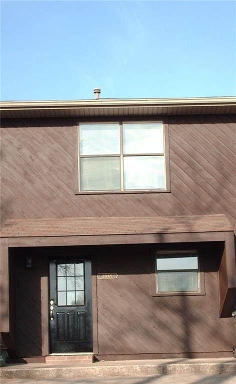 2043 East Oaks Drive - Photo 1