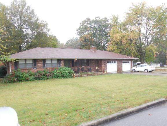 601 E Graham Street, Prairie Grove, AR 72753 (MLS #1164448) :: McNaughton Real Estate