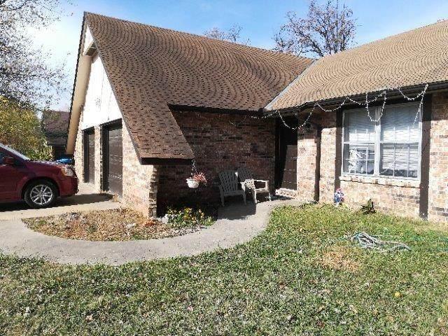 1421 & 1423 Rolling Oaks Drive - Photo 1