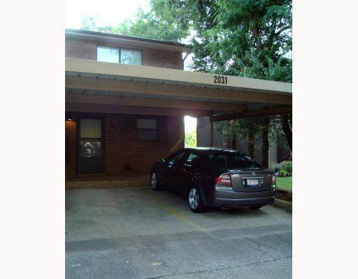 2031 East Oaks Drive - Photo 1