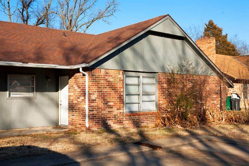 1503 Rolling Oaks Drive - Photo 1