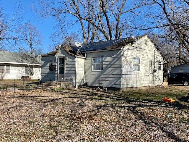200 Collins Avenue, Gentry, AR 72734 (MLS #1171221) :: NWA House Hunters | RE/MAX Real Estate Results