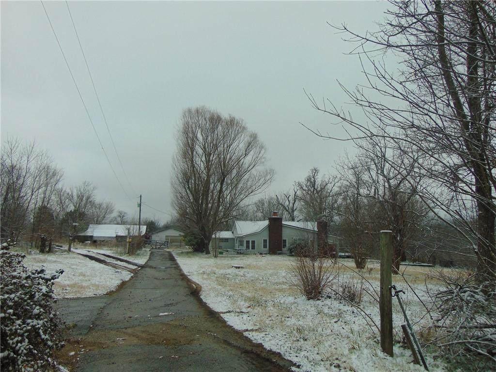 425 County Road 802 - Photo 1