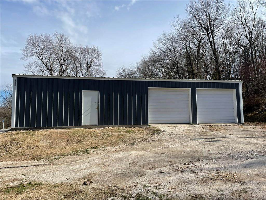 1832 Double Springs Road - Photo 1