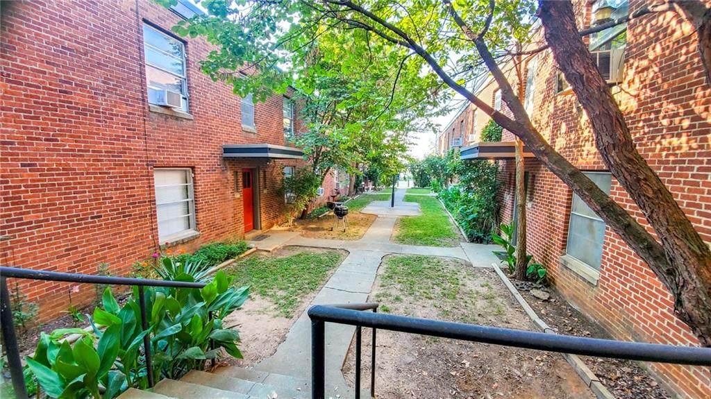 625 Dickson Street - Photo 1