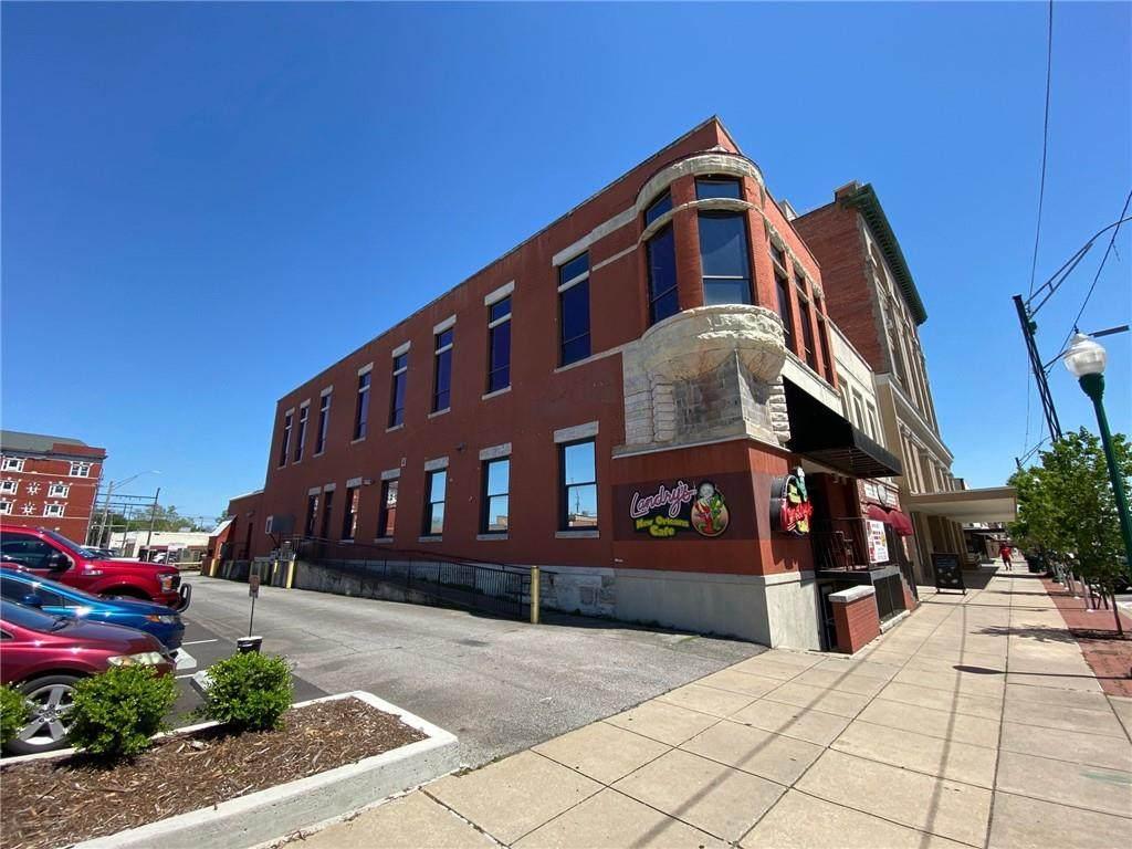 613 Garrison Avenue - Photo 1