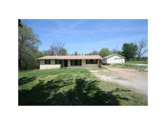 2901 Perry Road - Photo 1