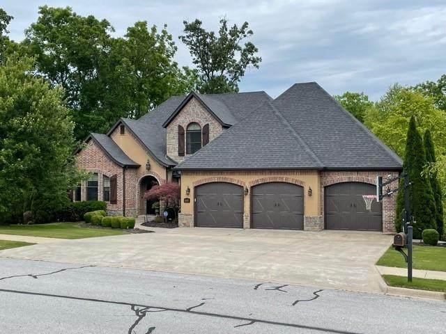 1602 NE Chapel Hill Drive, Bentonville, AR 72712 (MLS #1187170) :: McNaughton Real Estate