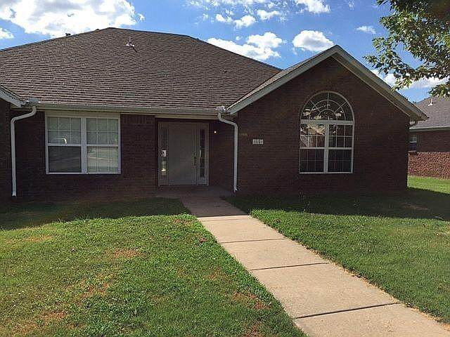 881 Meadowlands Drive, Fayetteville, AR 72704 (MLS #1187906) :: NWA House Hunters   RE/MAX Real Estate Results