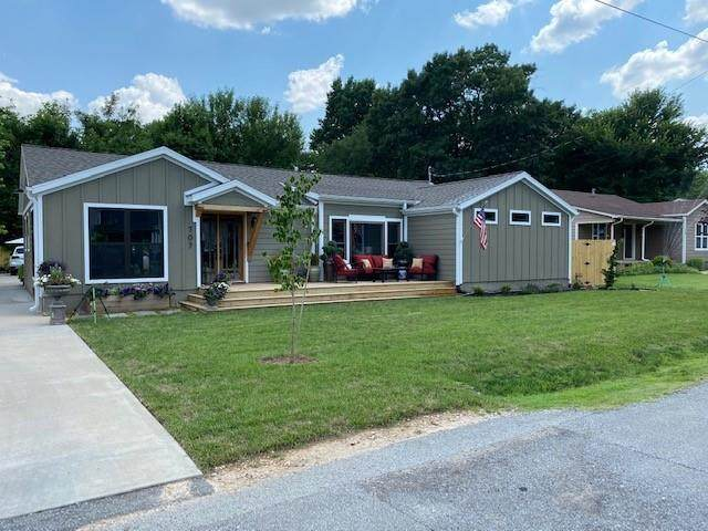 707 Nw 6th Street, Bentonville, AR 72712 (MLS #1191457) :: McMullen Realty Group