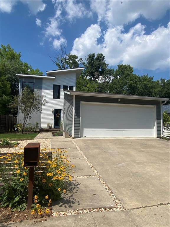 112 W 7th Street, Fayetteville, AR 72701 (MLS #1192559) :: McNaughton Real Estate