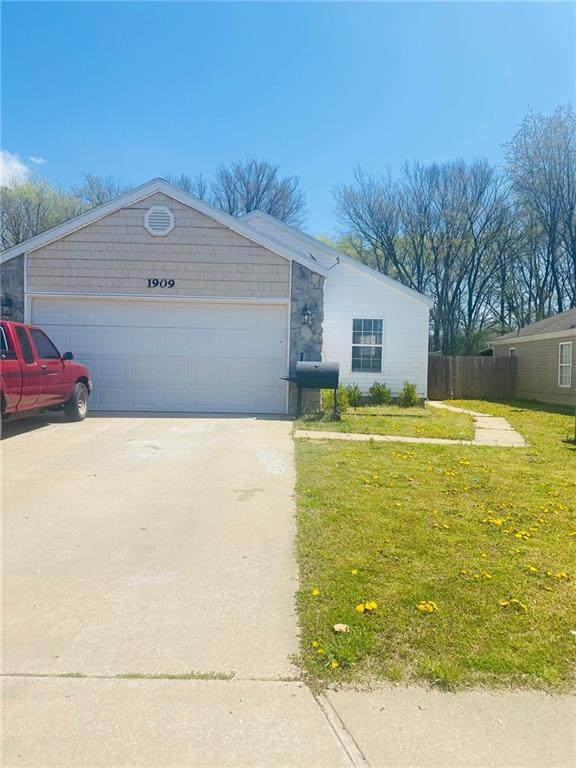 1909 Pinewoods Drive, Rogers, AR 72758 (MLS #1198047) :: NWA House Hunters | RE/MAX Real Estate Results