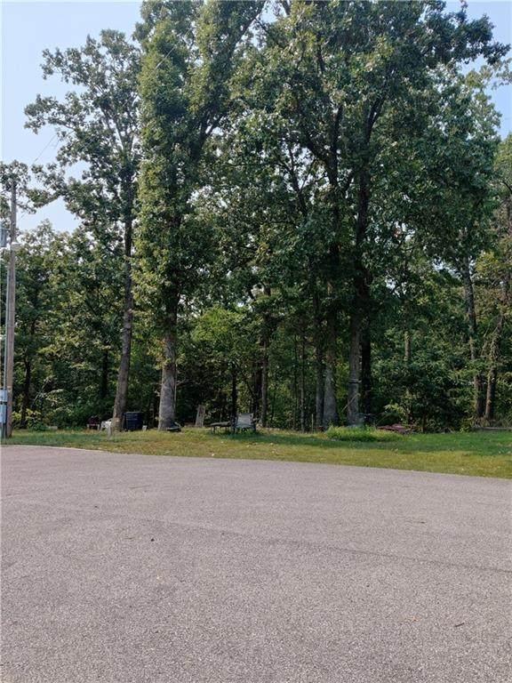 Pine Circle, Bella Vista, AR 72715 (MLS #1201079) :: Five Doors Network Northwest Arkansas