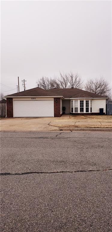 2201 Chanel  St, Siloam Springs, AR 72761 (MLS #1103354) :: HergGroup Arkansas