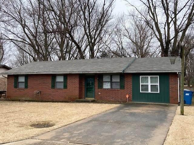 908 SE 11th Street, Bentonville, AR 72712 (MLS #1133651) :: Annette Gore Team | RE/MAX Real Estate Results