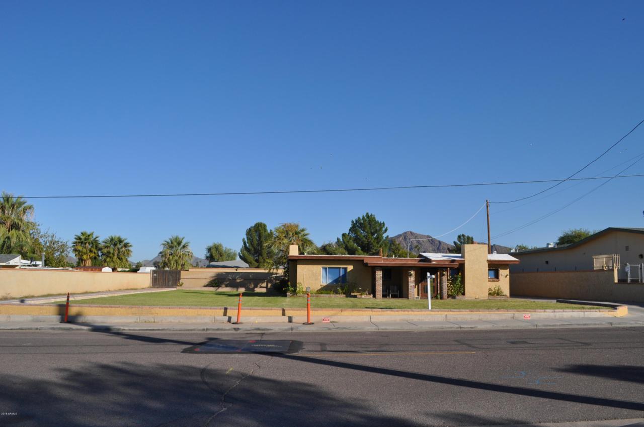 5020 Oak Street - Photo 1