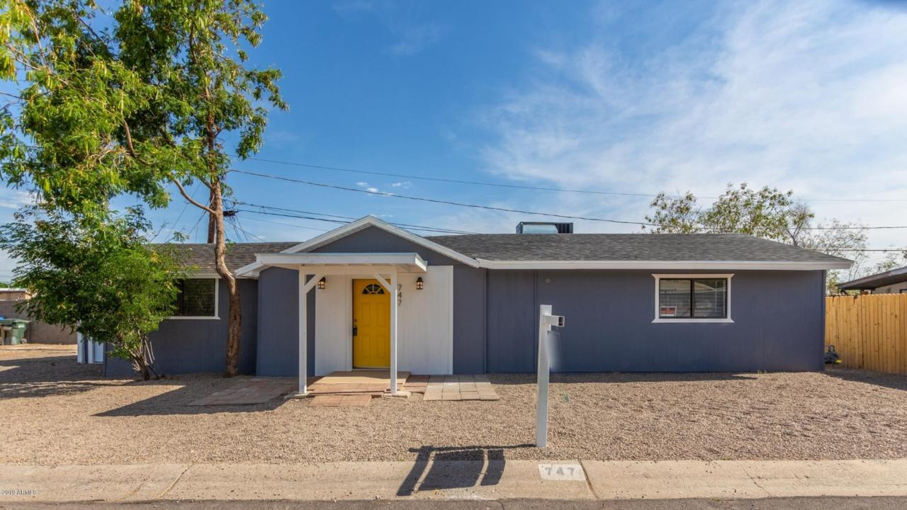 747 Sunnyslope Lane - Photo 1