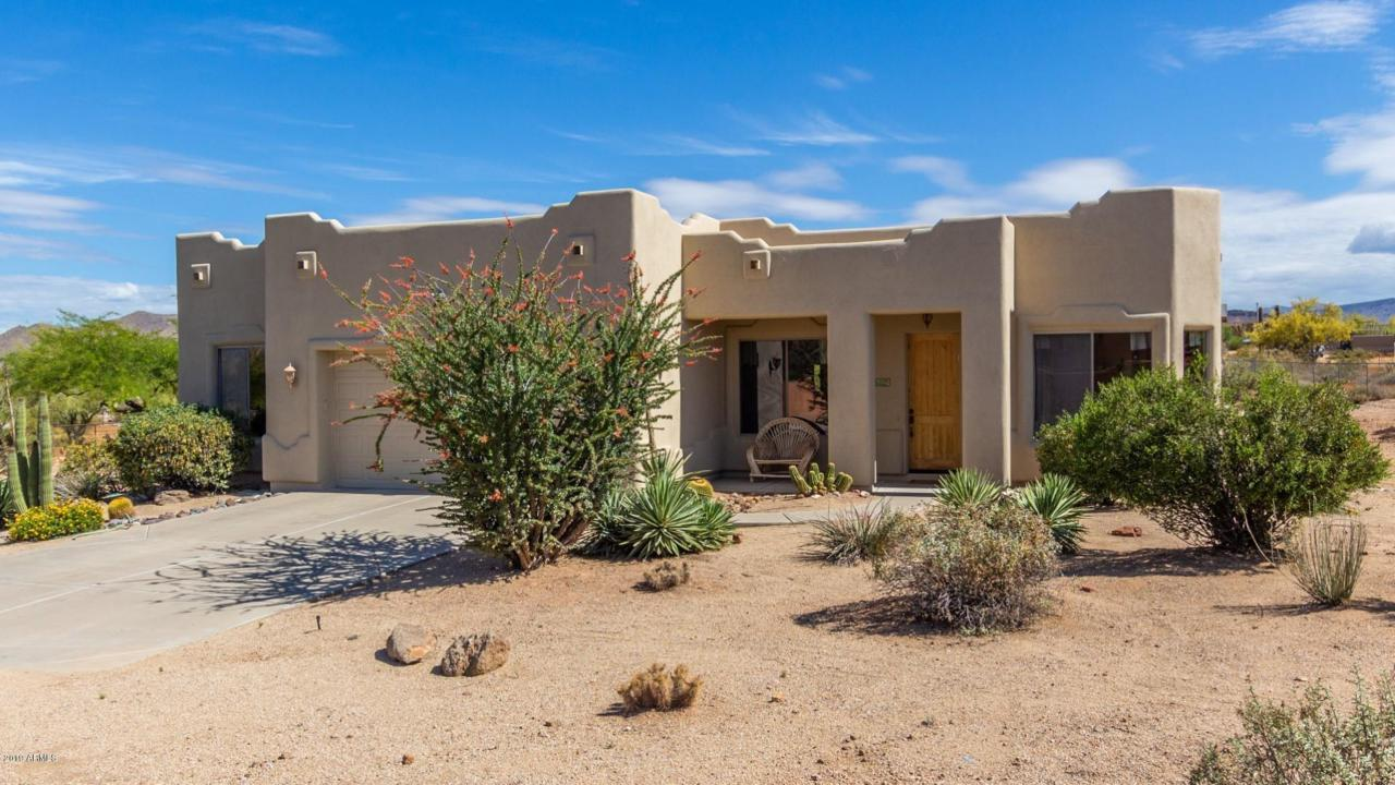 206 Saguaro Road - Photo 1