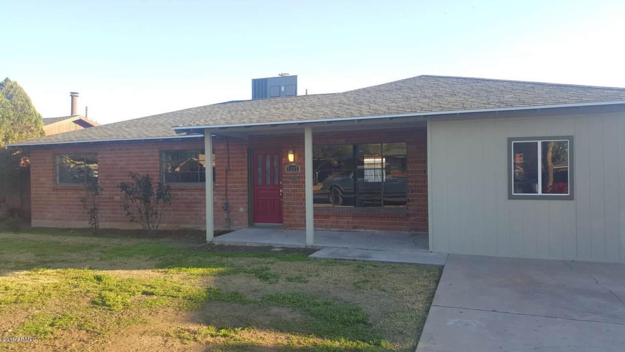 3207 Sierra Vista Drive - Photo 1