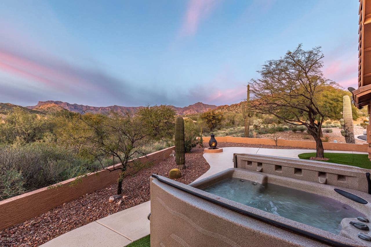 8724 Sonoran Way - Photo 1