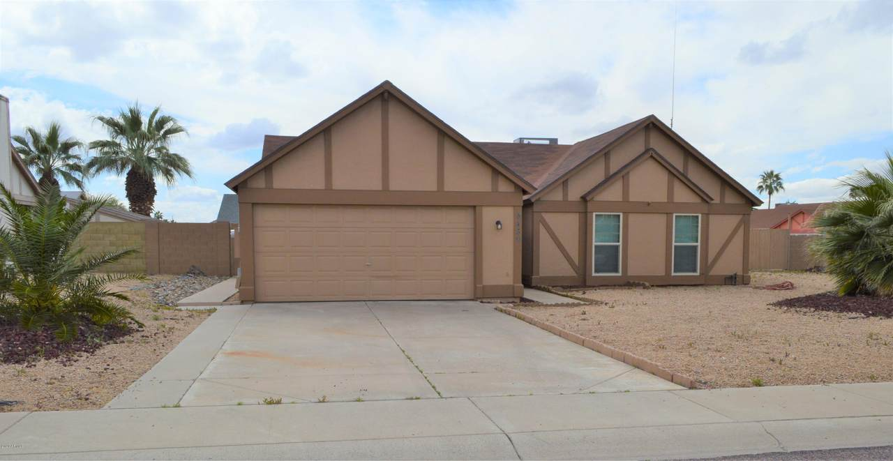 8439 Larkspur Drive - Photo 1