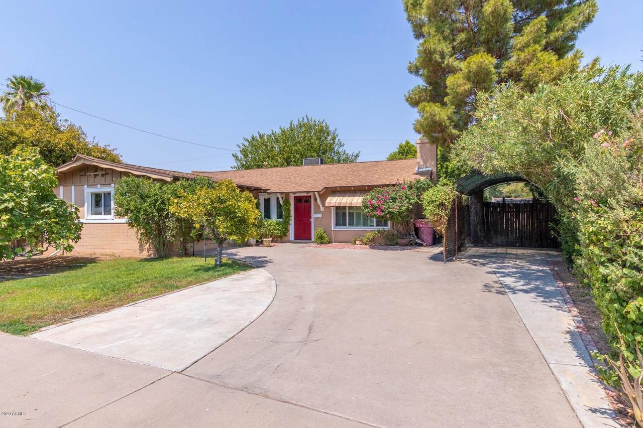 8450 Valley View Road - Photo 1