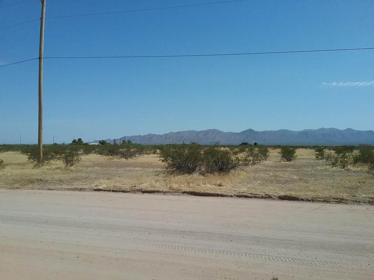 24000 Jomax Road - Photo 1
