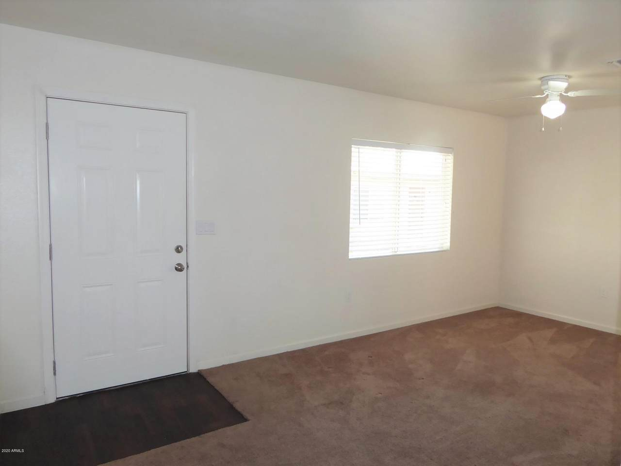 1529 Sunnyside Drive - Photo 1