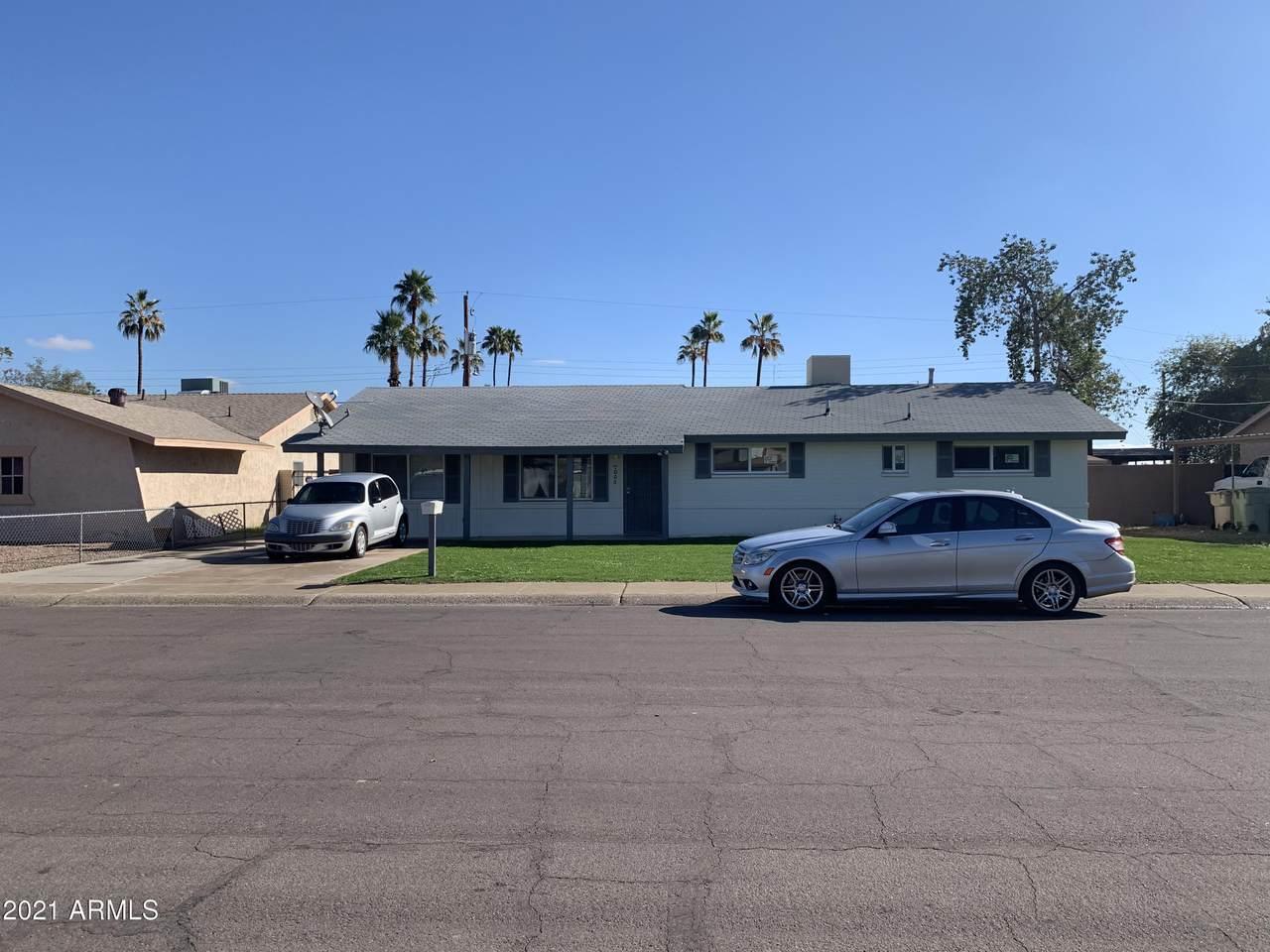 7005 76th Drive - Photo 1