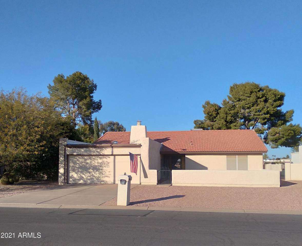9314 Sun Lakes Boulevard - Photo 1