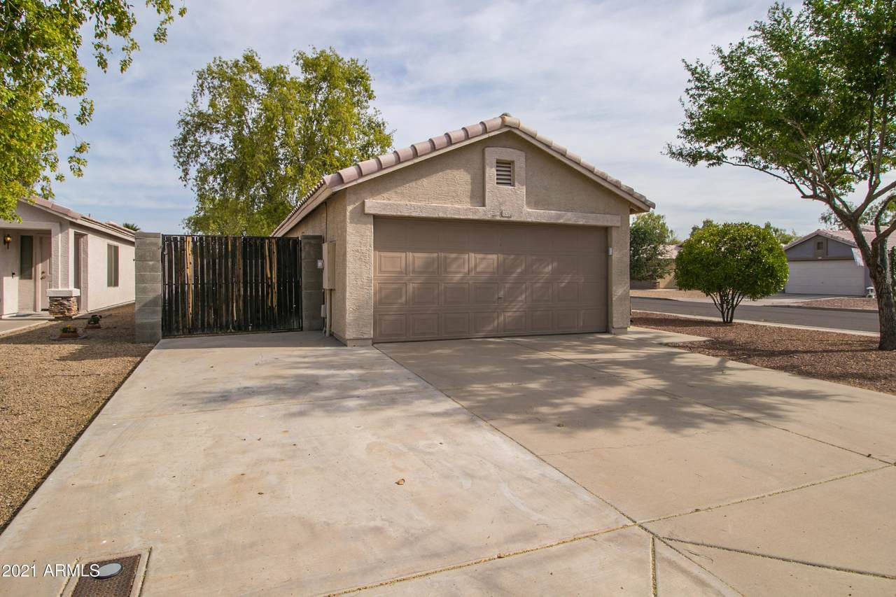 15702 Young Street - Photo 1