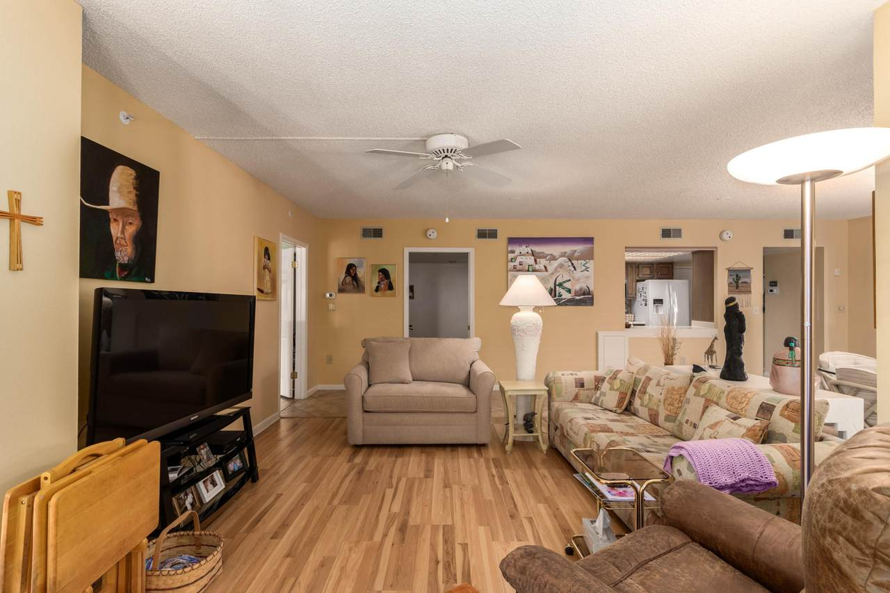 10330 Thunderbird Boulevard - Photo 1