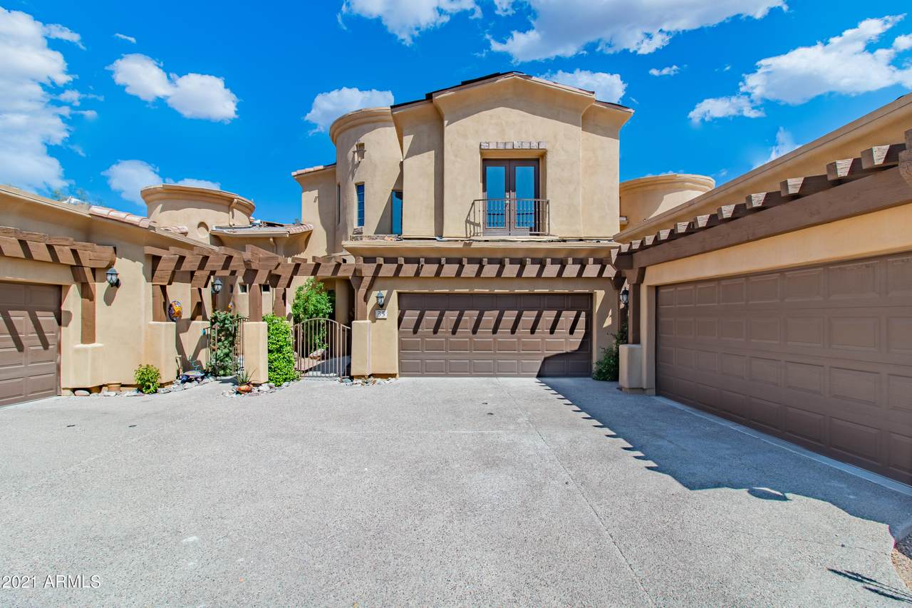5370 Desert Dawn Drive - Photo 1