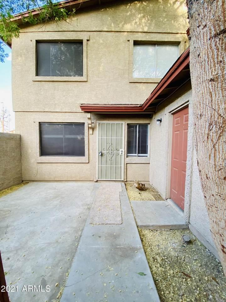 4045 Reade Avenue - Photo 1