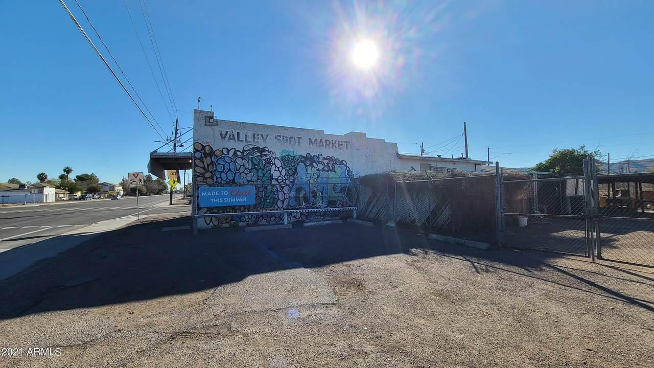 945 Southern Avenue - Photo 1