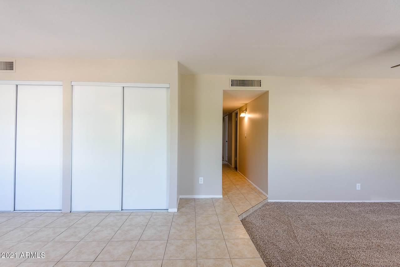 2209 Everett Drive - Photo 1