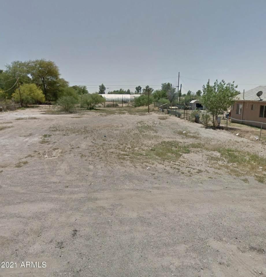 409 Lincoln Avenue - Photo 1