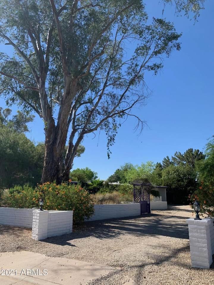 9907 Desert Cove Avenue - Photo 1