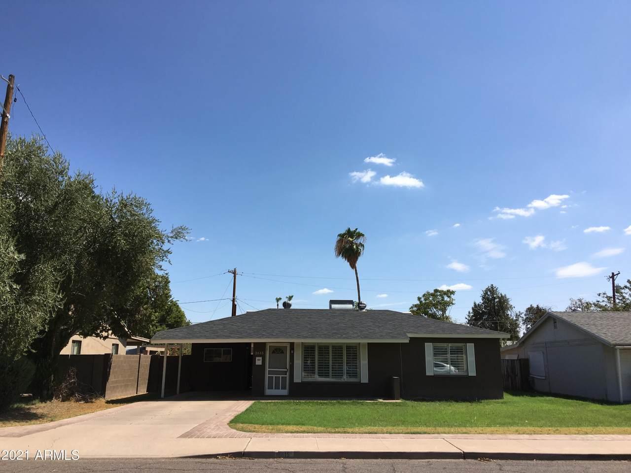2615 Glenrosa Avenue - Photo 1