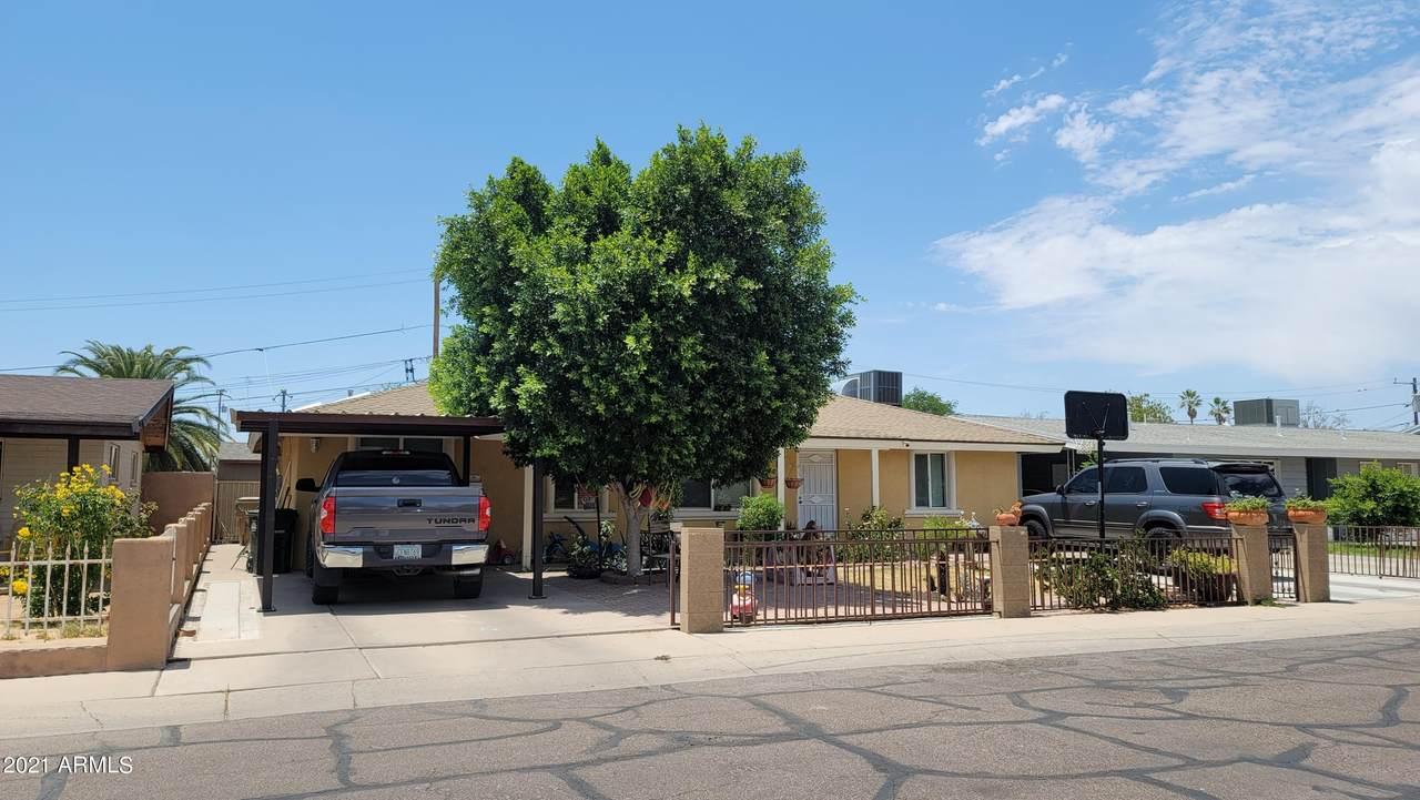 826 Los Robles Drive - Photo 1